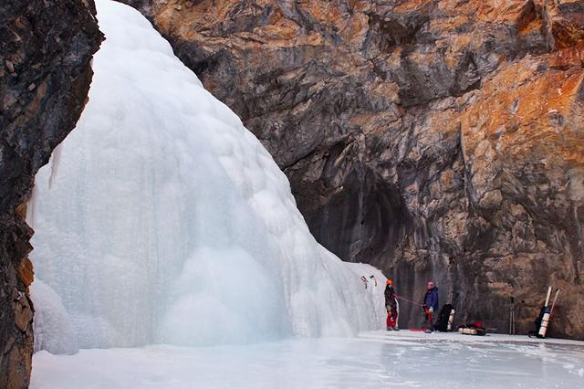 Ледопад в Саянах