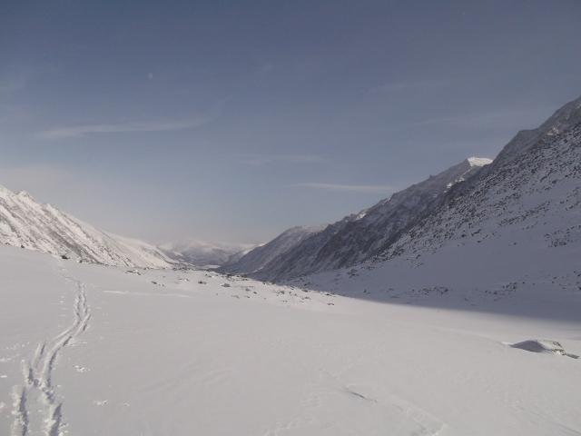 Вид на Левую Талу с седловины перевала из Светлой